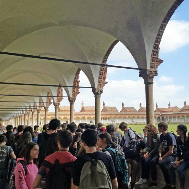 Una gita scolastica tra riso e beni culturali